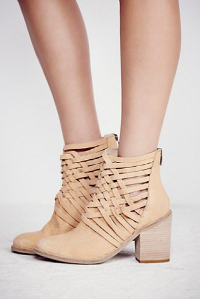 FP Collection Carrera heel boot in camel - Washed leather block heel boots with basket-weave...