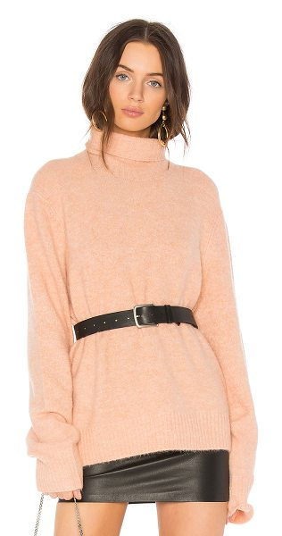 Frame Slouchy Turtleneck Sweater in dusty pink - Frame's Slouchy Turtleneck is the cozy knit you will...
