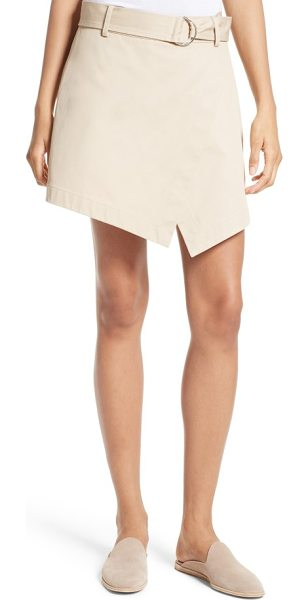 Frame trench skort in khaki - Wrapped at the front to create a cool, angled hem, this...