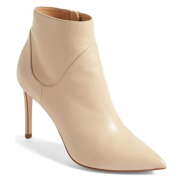 FRANCESCO RUSSO pointy toe bootie in beige leather - Taking inspiration from pointy-toe booties of the 1960s,...
