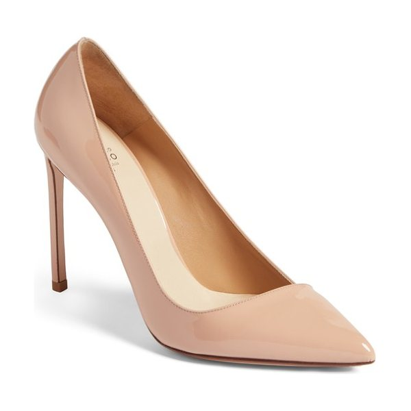 FRANCESCO RUSSO pointy toe pump in beige leather - An asymmetrically low-cut topline adds a modern vibe to...