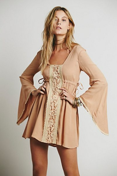 FREE PEOPLE Jolene dress - Wide bell sleeves is the focus of this super cute flowy...