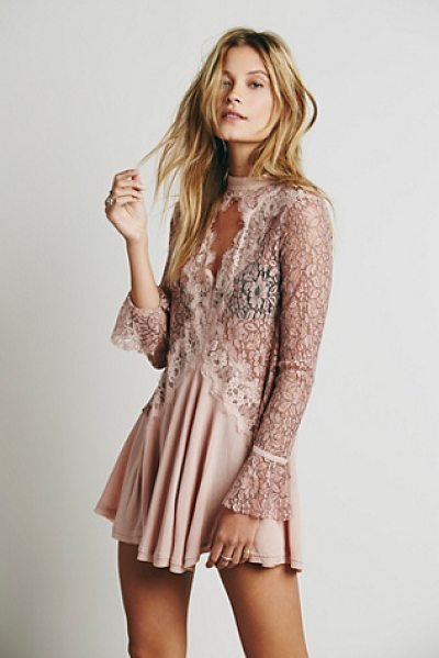 Free People Secret origins pieced lace tunic in washed pink - Romantic lace and crepe pieced tunic with a swingy...