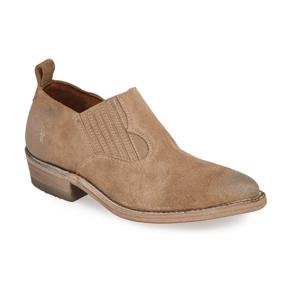 Frye 'billy' western bootie in beige - Washed and oiled vintage leather, a pointed toe and a...