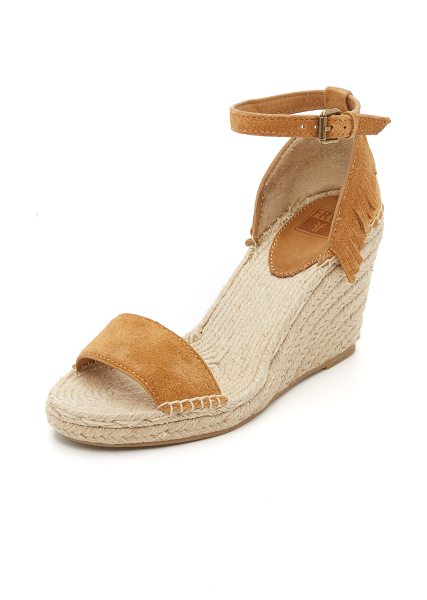 Frye Lila feather wedges in sand