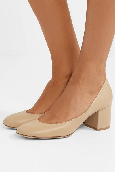 Gianvito Rossi 60 leather pumps in beige