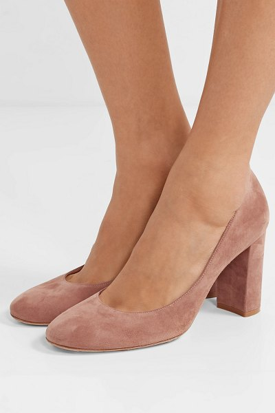 Gianvito Rossi linda 85 suede pumps in taupe