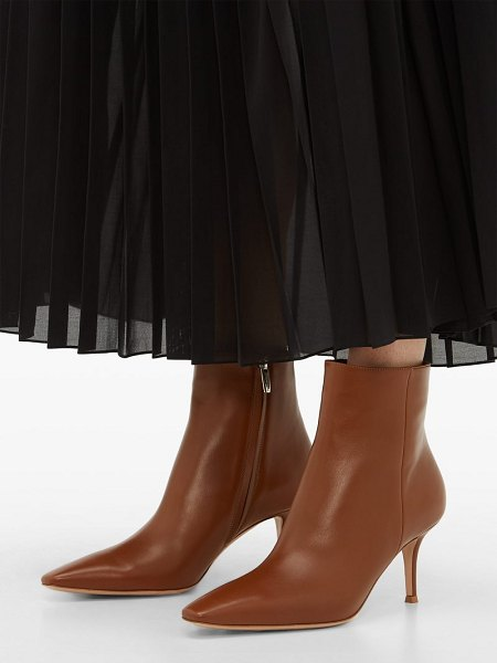 Gianvito Rossi point-toe 70 leather ankle boots in tan
