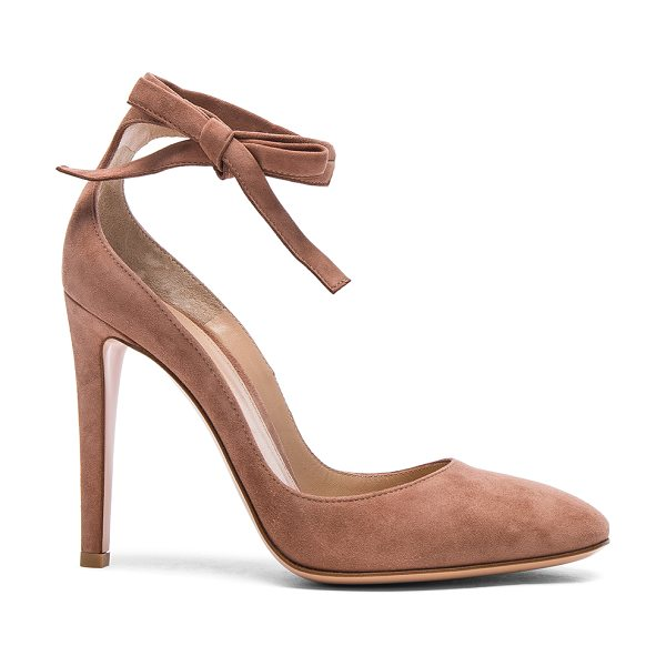 Gianvito Rossi Suede Carla Pumps in praline - Suede upper with leather sole. Made in Italy. Approx...