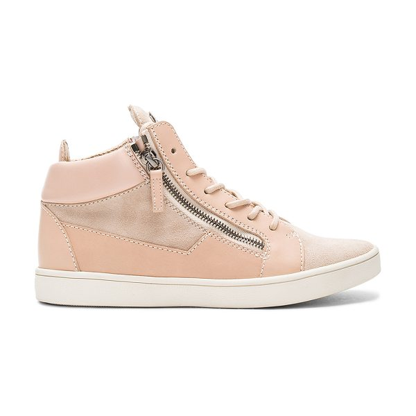 Giuseppe Zanotti Maylondon Sneaker in beige - Leather and suede upper with rubber sole. Lace-up front....