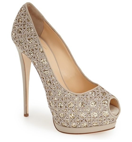 Giuseppe Zanotti sharon platform pump in gold fabric - Allover glitter and a lofty platform sole extend the...