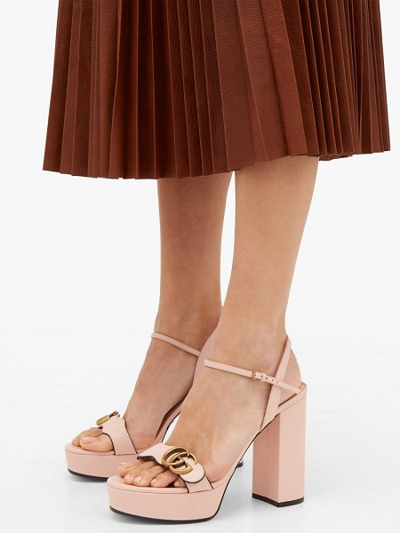 Gucci gg marmont leather platform sandals in light pink