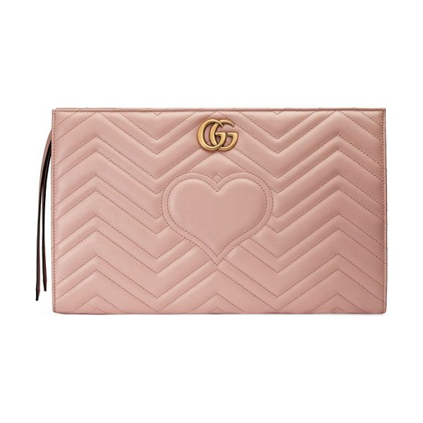 Gucci gg marmont matelasse leather clutch in perfect pink - Featuring both the double-G logo and heart motif framed...