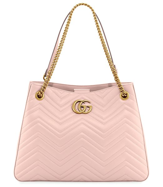 Gucci GG Marmont Matelassé Shoulder Bag in pink - Gucci matelass leather hobo bag with golden hardware....