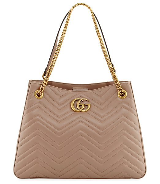 Gucci GG Marmont Matelassé Shoulder Bag in nude - Gucci matelass leather hobo bag with golden hardware....