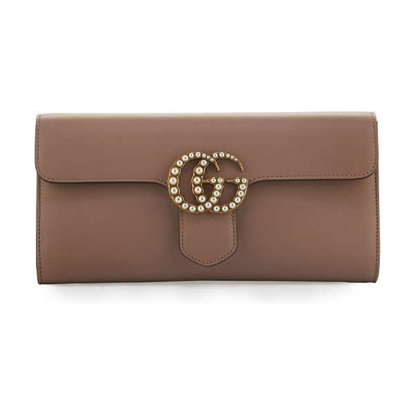 Gucci GG Marmont Pearly Leather Clutch Bag in nude - Gucci smooth leather clutch bag with golden hardware....