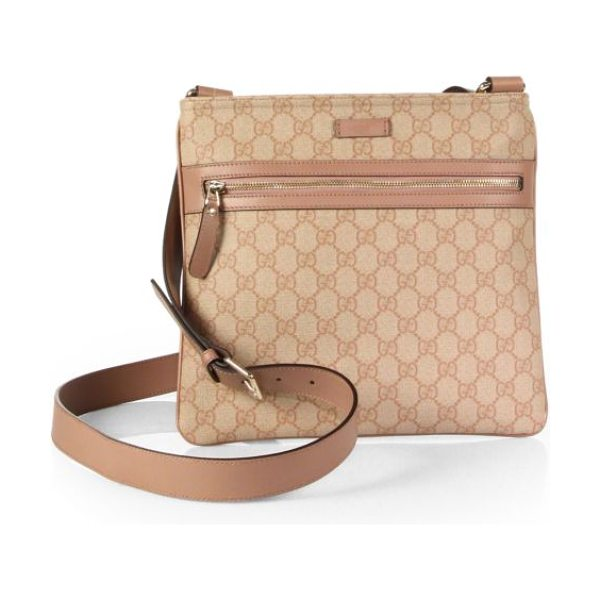 Gucci Gg supreme canvas flat messenger in winterrose