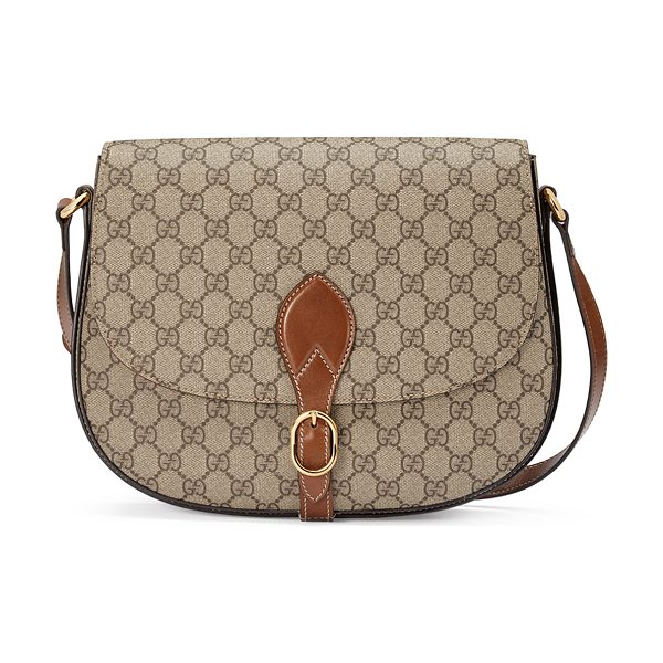 Gucci GG Supreme Medium Flap Saddle Bag in beige/ebony/cuir - Gucci GG supreme canvas saddle bag with leather trim....