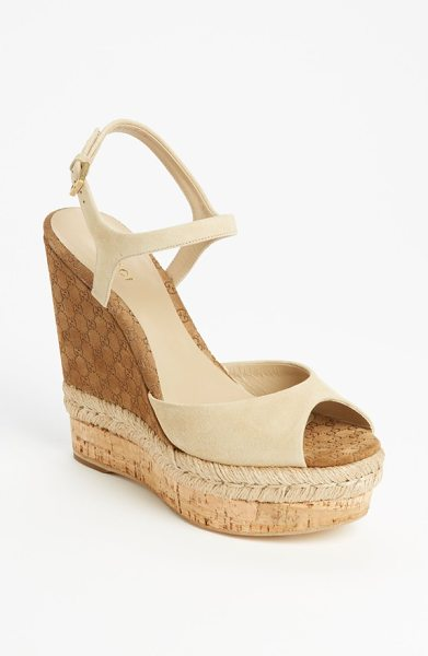 GUCCI hollie wedge sandal - Seamless structure refines the silhouette of a classic...