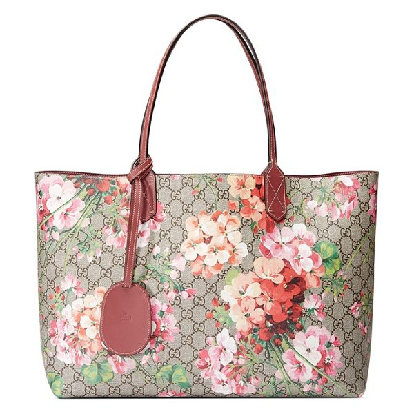 Gucci medium gg blooms reversible canvas & leather tote in beige ebony multi/dry rose - Gucci's signature Blooms print and double-G canvas...