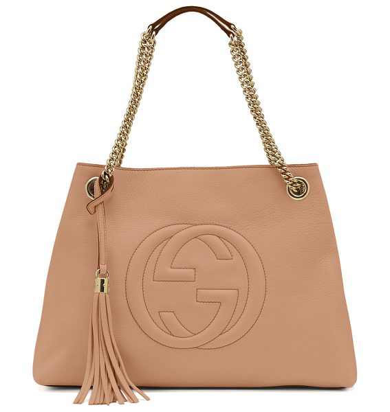 Gucci Soho leather medium chain-strap tote in beige - Gucci leather tote bag. Light golden hardware. Embossed...