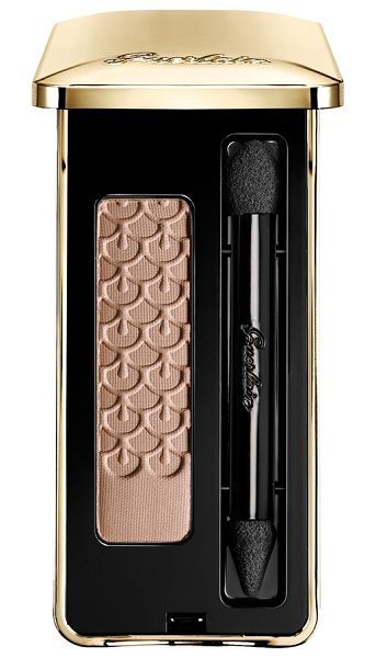 GUERLAIN mono eyeshadow - Guerlain has reinterpreted the single eyeshadow, an...