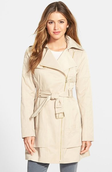 GUESS asymmetrical zip trench coat in khaki - An asymmetrical zip closure and channel quilting at the...