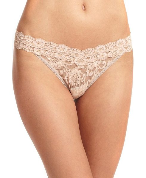 Hanky Panky cross dye original thong in taupe-vanilla - Signature floral lace in an electrifying hue, designed...