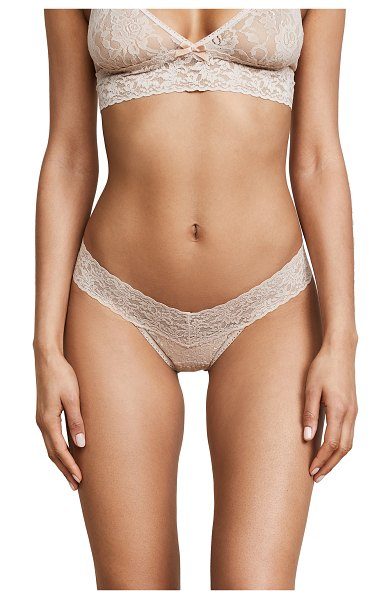 Hanky Panky petite signature lace low rise thong in chai