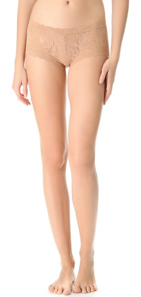 Hanky Panky Signature lace boy shorts in suntan