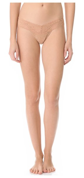 Hanky Panky Signature lace low rise thong in suntan