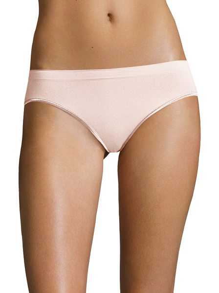 Hanro high-cut brief in mauve - Breathable, buttery soft touch feeling high-cut brief....