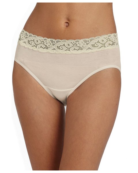 Hanro moments cotton hipster brief in beige