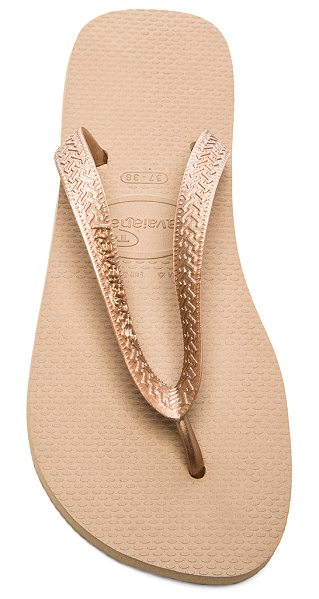 Havaianas Top metallic flip flop in metallic bronze - Rubber upper and sole. HAVA-WZ131. 4000733 3581. Summer...