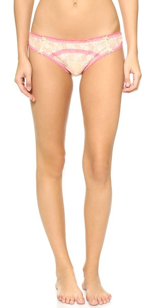 Heidi Klum Intimates Mon coeur thong in cream tan/pink - Delicate contrast trim details this mesh and lace Heidi...