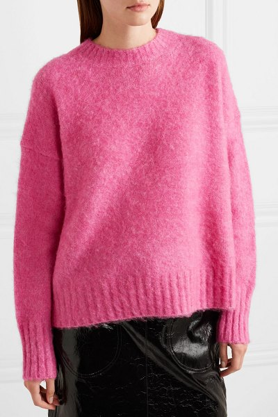 Helmut Lang knitted sweater in pink - Helmut Lang's sweater is dyed a vibrant fuchsia hue...