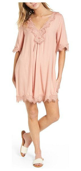 Hinge lace trim shift dress in pink misty - Lavish lace trim furthers the vintage boho-chic appeal...