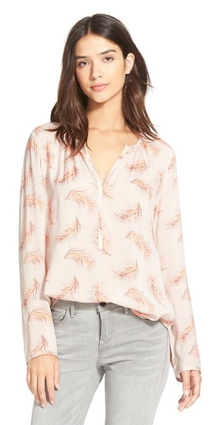 Hinge split neck blouse in tan feathered spray print - Gentle shirring at the necklace gives shape to a...