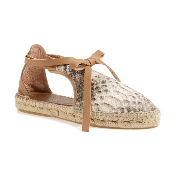 House of Harlow 1960 1960 carolyne espadrille flat in natural snake - A leather wraparound lace and breezy side cutouts...
