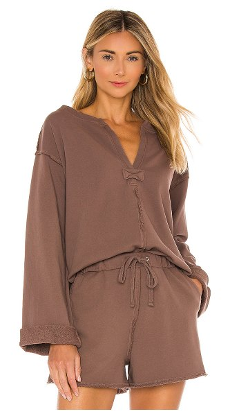 House of Harlow 1960 x revolve sage pullover in brown chestnut