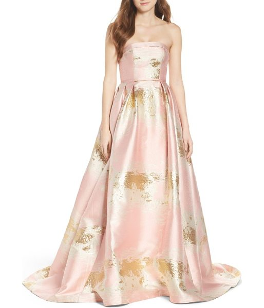 IEENA FOR MAC DUGGAL ieena for for mac duggal foiled ballgown in blush - A crackling metallic finish gleams here and there around...