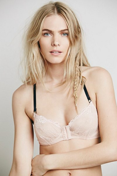 Intimately Hook me up underwire bra in shell - Super sexy underwire lace bra with scalloped trim and...