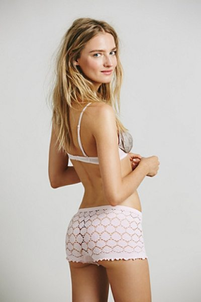 Intimately Textured boyshort in light pink