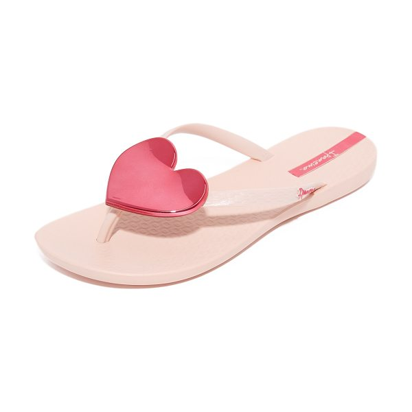 Ipanema wave heart flip flops in pink/pink - A sculpted, mirrored heart accents the slim thong strap...