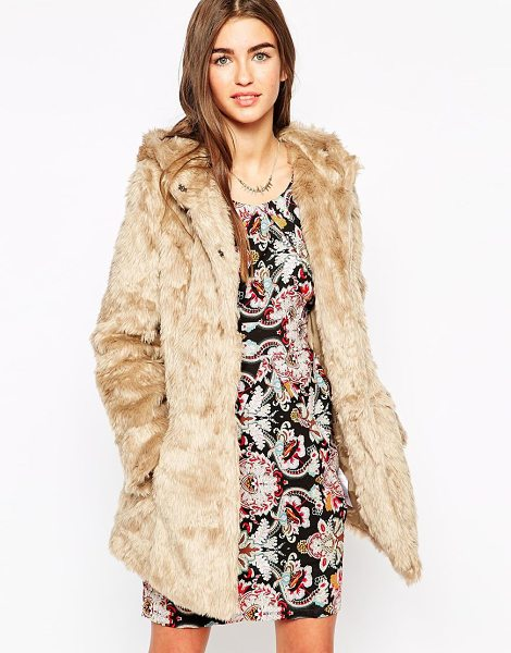 Iska Faux fur coat with hood in light brown - Coat by Iska Super soft-touch faux fur Fully lined...