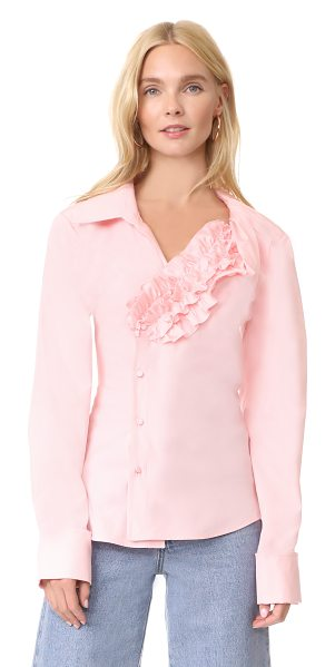 JACQUEMUS seville shirt in pink - This asymmetrical Jacquemus blouse has a signature...