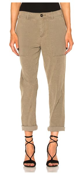 James Perse Relaxed Workwear Pant in khaki - 64% cotton 35% linen 1% elastan. Made in China. Machine...
