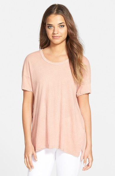 James Perse vented hem tee in cipria beige - Dropped shoulders and a step hem with side vents relax...