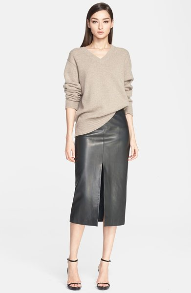 Jason Wu melange cashmere v-neck sweater in taupe - Chunky ribbed trim frames an oversized V-neck sweater...