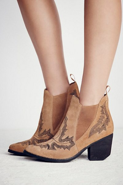 Jeffrey Campbell Frontier stitch boot in nude suede - Western-inspired suede ankle boots featuring contrast...